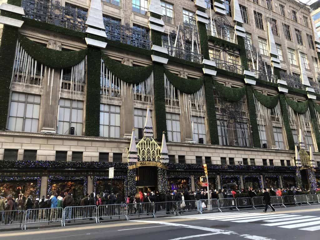 crowds outside saks fifth avenue at Christmas