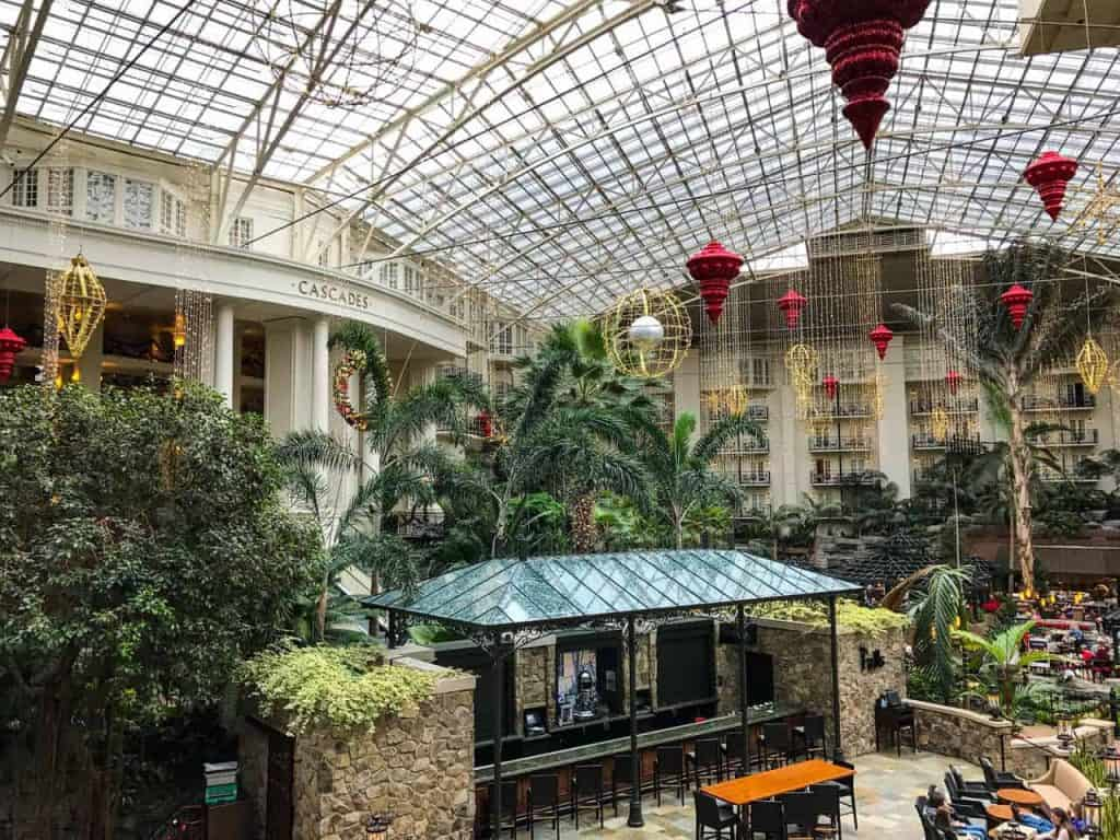 tennesse gaylord opryland resort lobby christmas