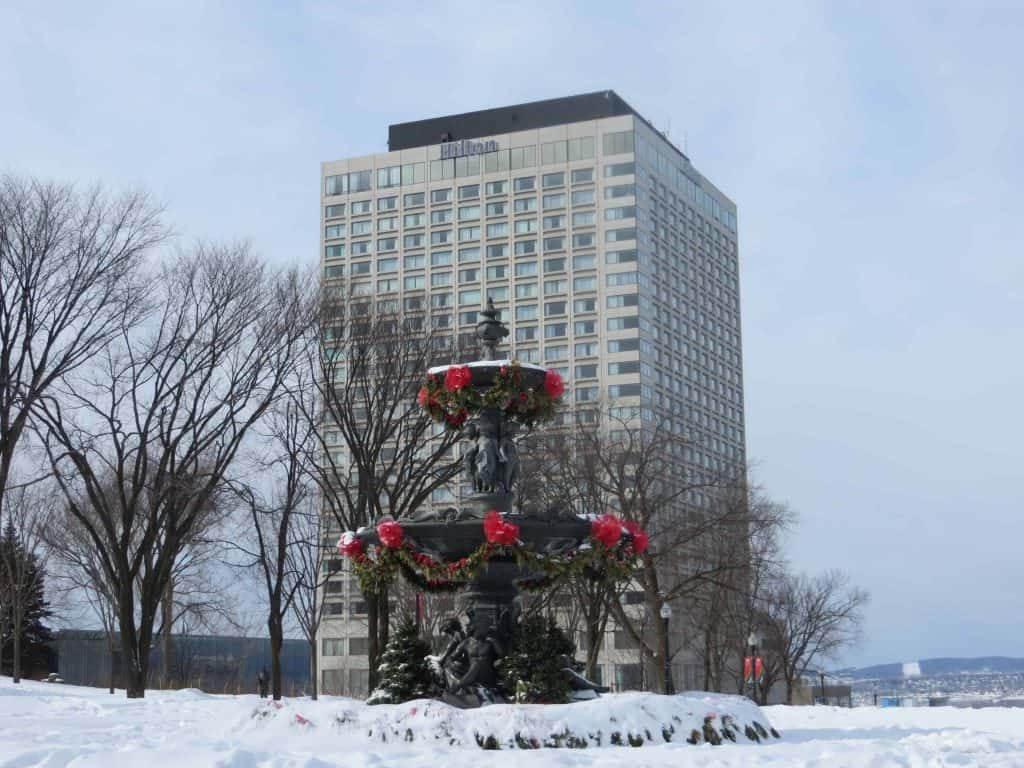 hilton-quebec-exterior with fountain in winter