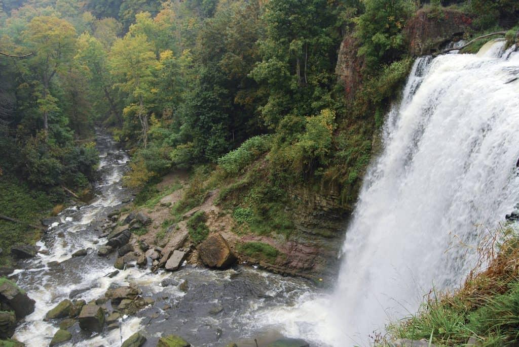 waterfalls-hamilton-ontario bucket list