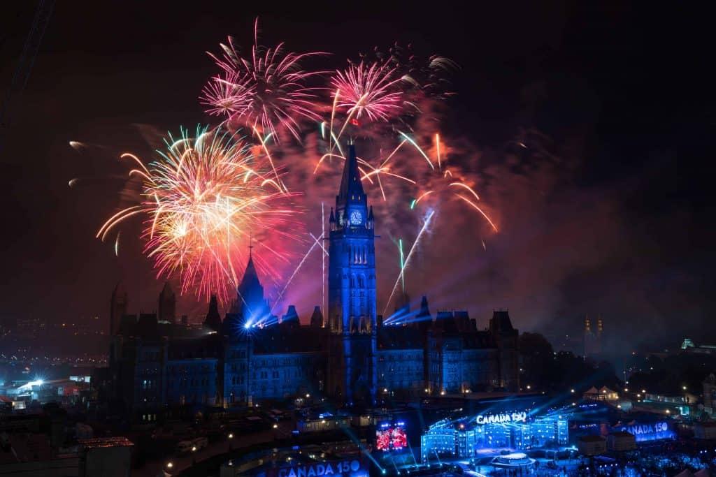 ottawa-parliament hill fireworks