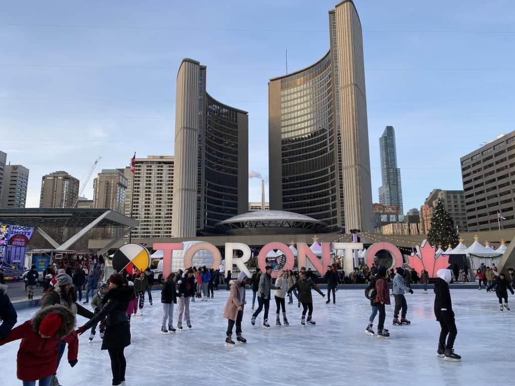 toronto-skating at nathan phillips square