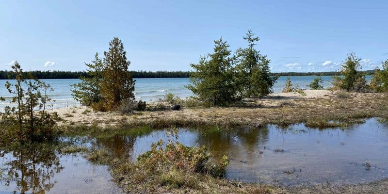 misery bay provincial park-manitoulin island-along lakefront